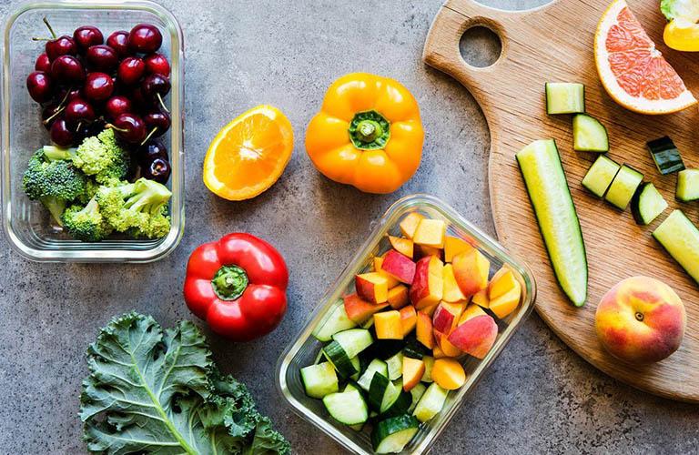 Chia nhỏ bữa ăn, không ăn quá nhiều hoặc quá no trong cùng một thời điểm
