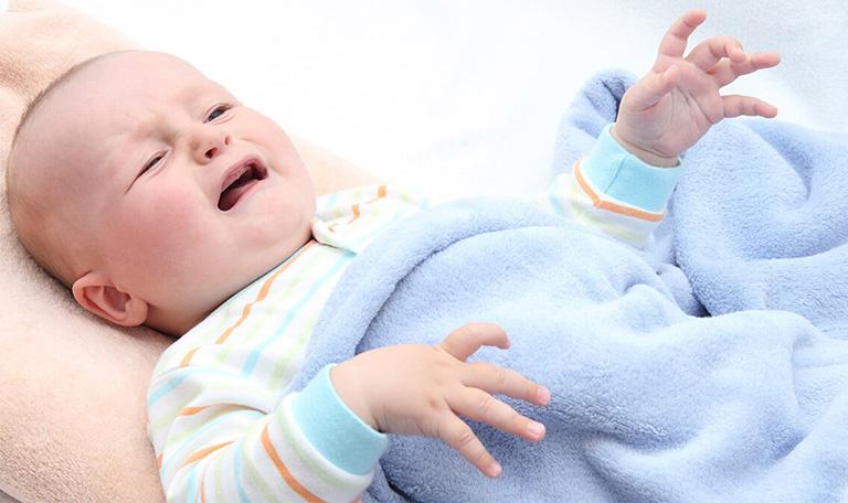 triệu chứng dị ứng thời tiết ở trẻ sơ sinh