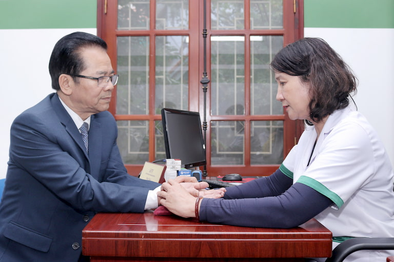 Trước đây, NS Trần Nhượng đã từng chữa khỏi thành công bệnh dạ dày tại Trung tâm Thuốc dân tộc