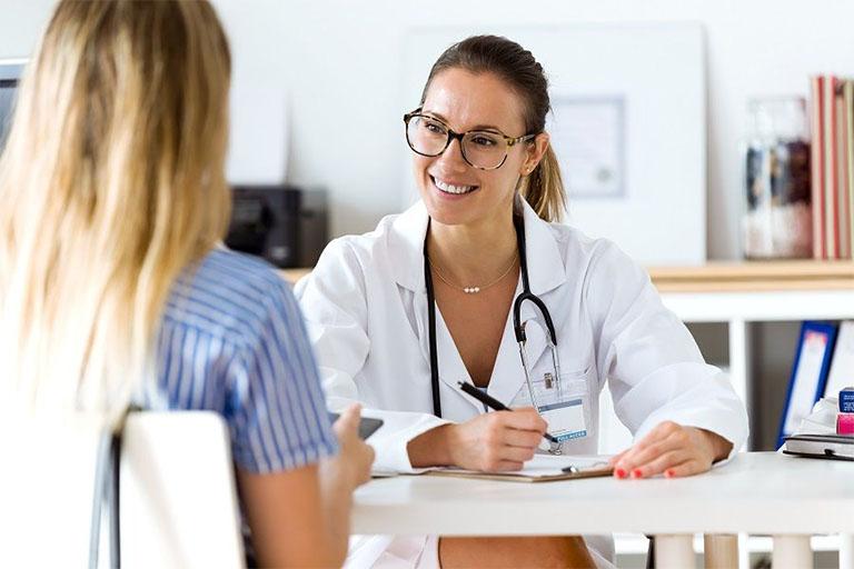 Danh sách nữ bác sĩ khám chữa bệnh trĩ giỏi