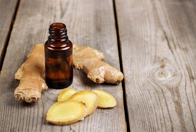 tinh dầu gừng giúp giảm đau do gút