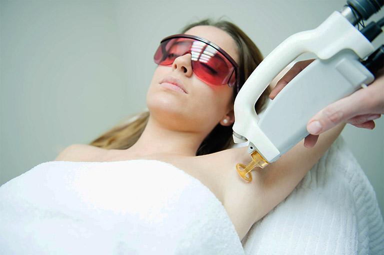 ưu điểm của phương pháp trị viêm nang lông bằng laser