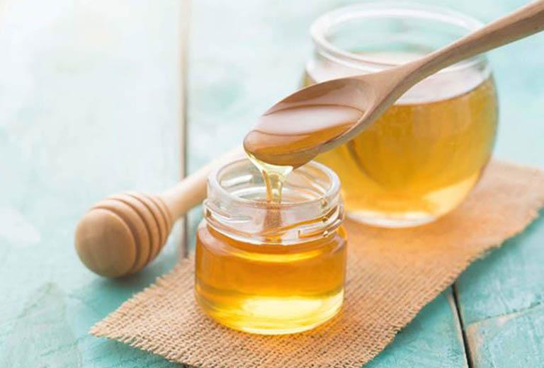 Cách sử dụng mật ong nguyên chất và chanh tươi điều trị bệnh viêm họng hạt