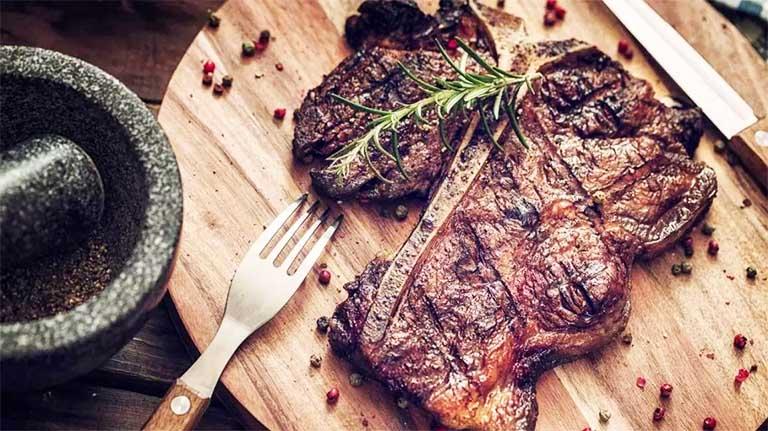 ăn nhiều chất đạm không tốt cho người bị bệnh gút