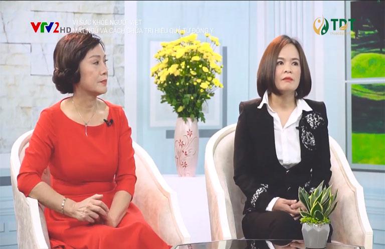 Bác sĩ Lẹ Quyên cùng NSƯT Hương dung trong chương trình Vì sức khỏe người Việt