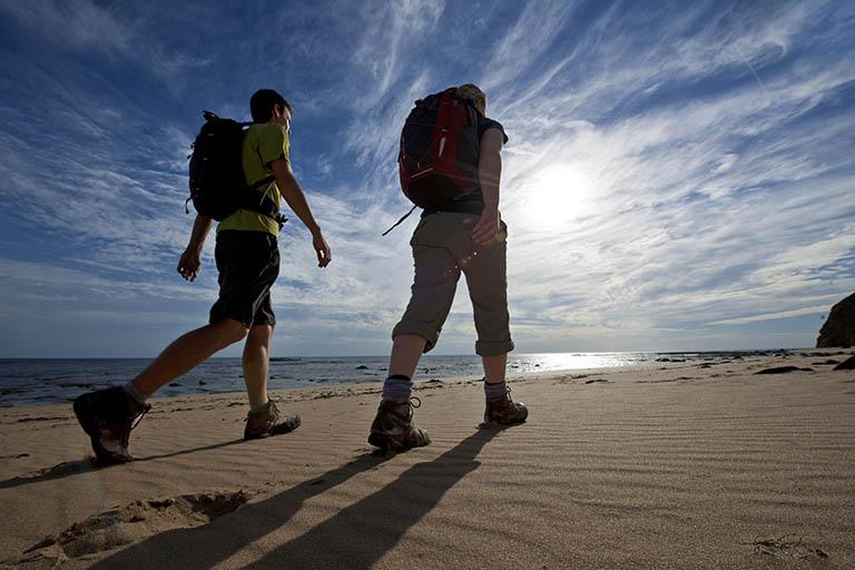Đi bộ nhanh giúp tăng cường sinh lý nam và cải thiện sức khỏe tổng thể