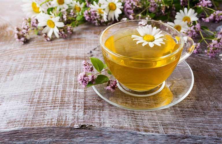 chữa bệnh mất ngủ nhờ trà hoa cúc Chamomile