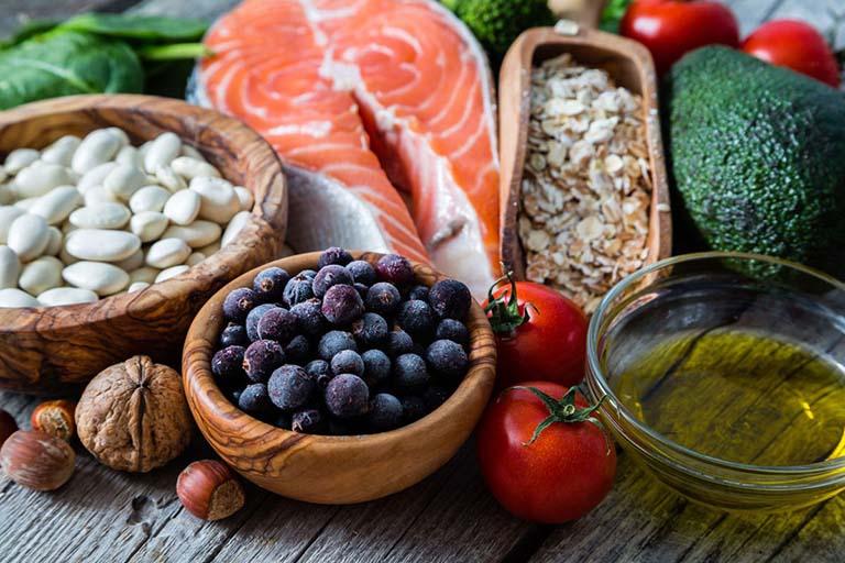 Áp dụng chế độ ăn uống khoa học, đủ chất