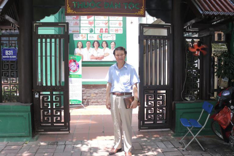 Diễn viên Nguyễn Hải tại Thuốc dân tộc