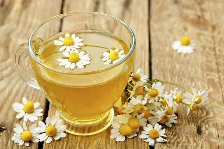 Sử dụng trà thảo dược trước khi đi ngủ