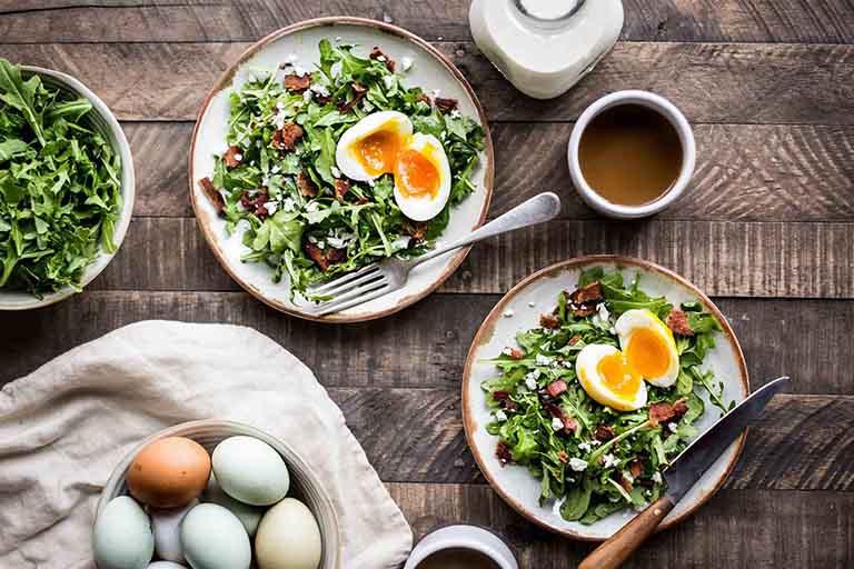 Những người đàn ông có chế độ dinh dưỡng khoa học, ăn uống lành mạnh sẽ có chất lượng và mật độ tinh trùng tốt