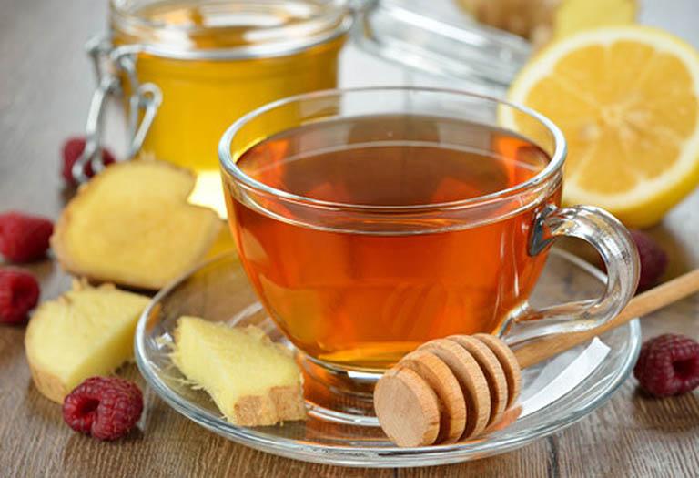Uống trà gừng ấm điều trị bệnh mất ngủ