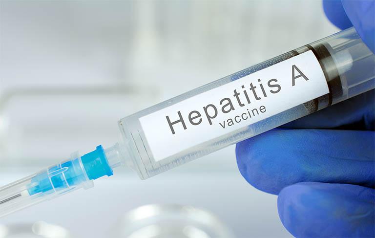 Tiêm vắc xin viêm gan A