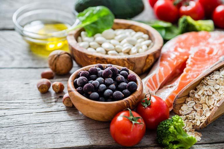 Áp dụng chế độ ăn uống đầy đủ chất dinh dưỡng