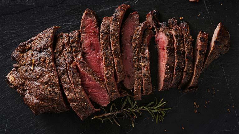 bị gút ăn thịt đỏ được không?