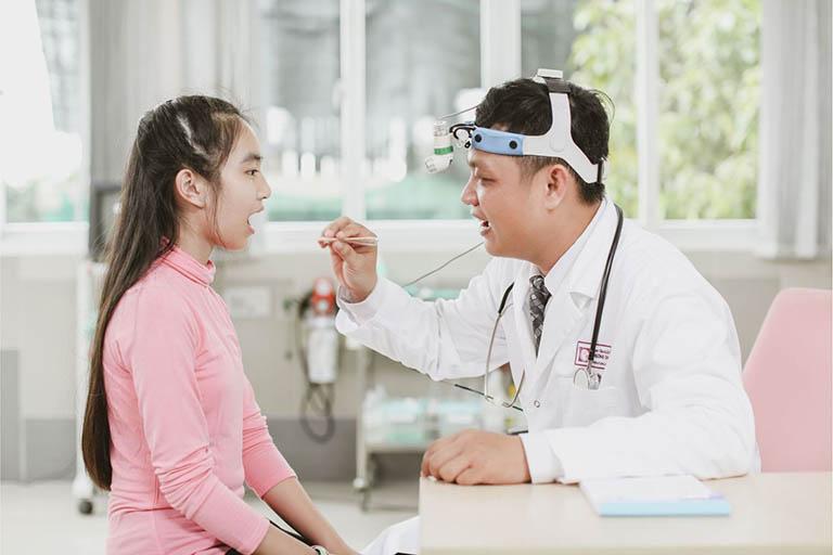 Bác sĩ Nguyễn Thái Sơn chuyên điều trị các bệnh đường hô hấp, sốt xuất huyết