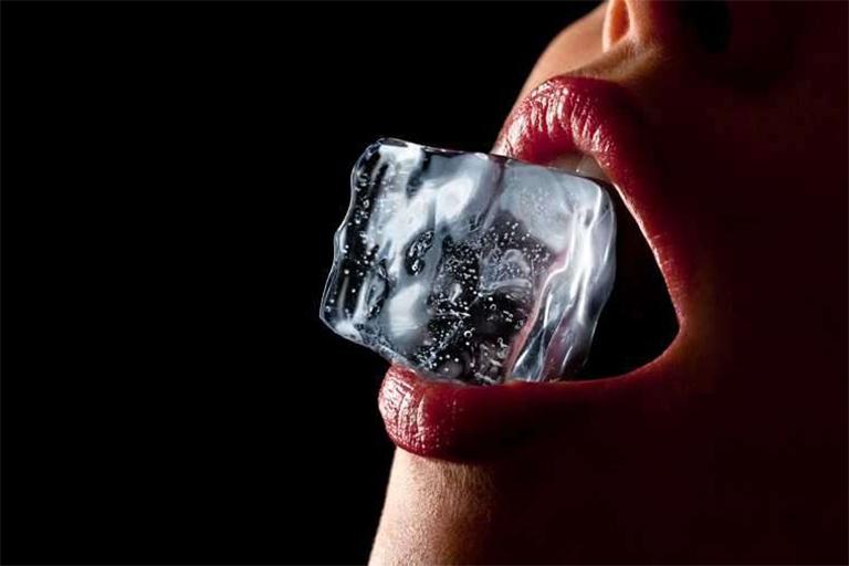 cách làm tình bằng đá lạnh