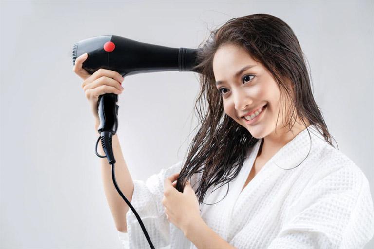 trị rụng tóc bằng tỏi
