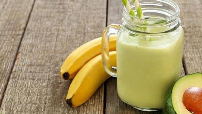Sinh tố và các loại nước ép trái cây là lời giải đáp cho câu hỏi viêm đại tràng nên ăn gì