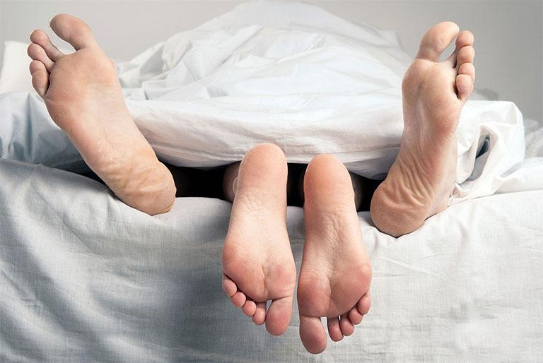 viêm nhiễm phụ khoa quan hệ được không?