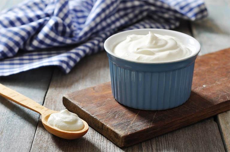 bị trào ngược dạ dày có nên uống sữa không?