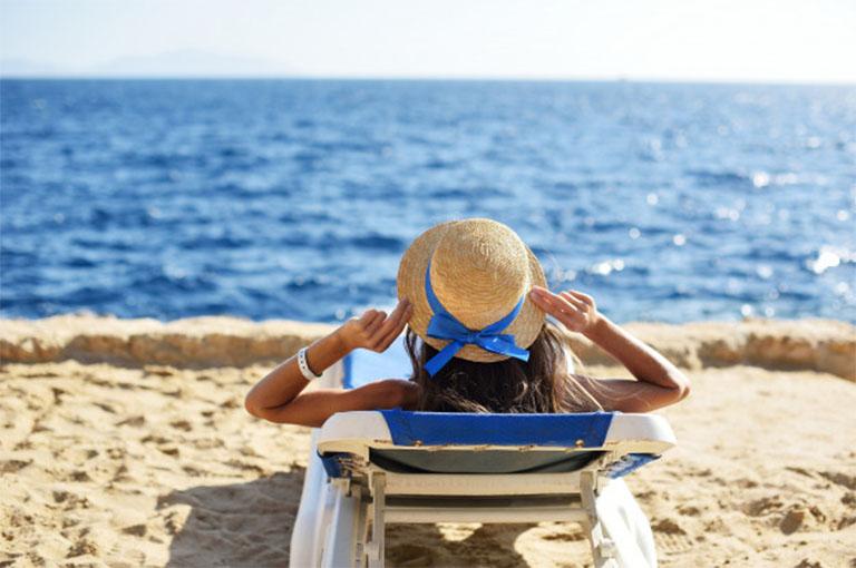 bị vảy nến có tắm biển được không?