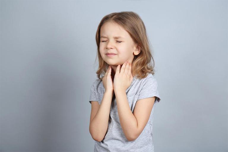 chữa viêm amidan cho trẻ tại nhà