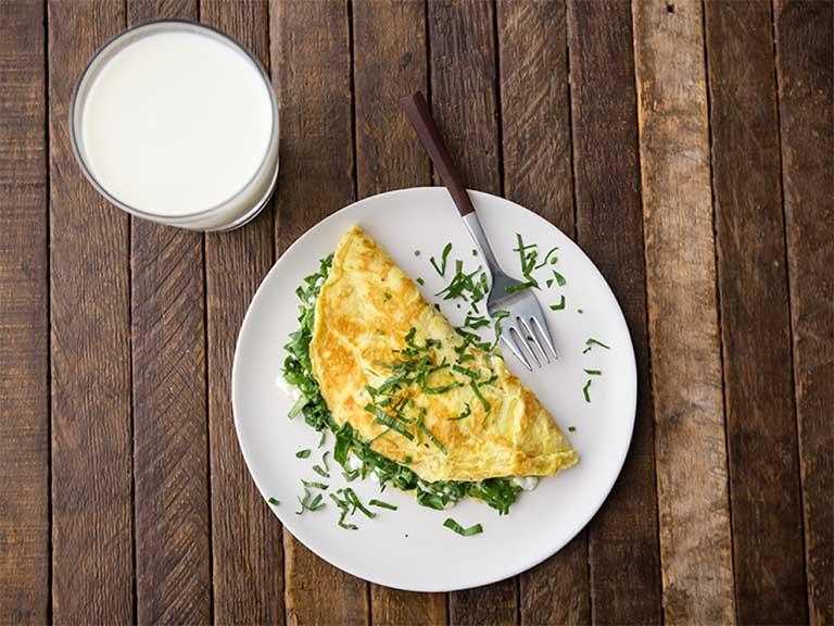 bị đau dạ dày nên uống sữa tươi như thế nào?