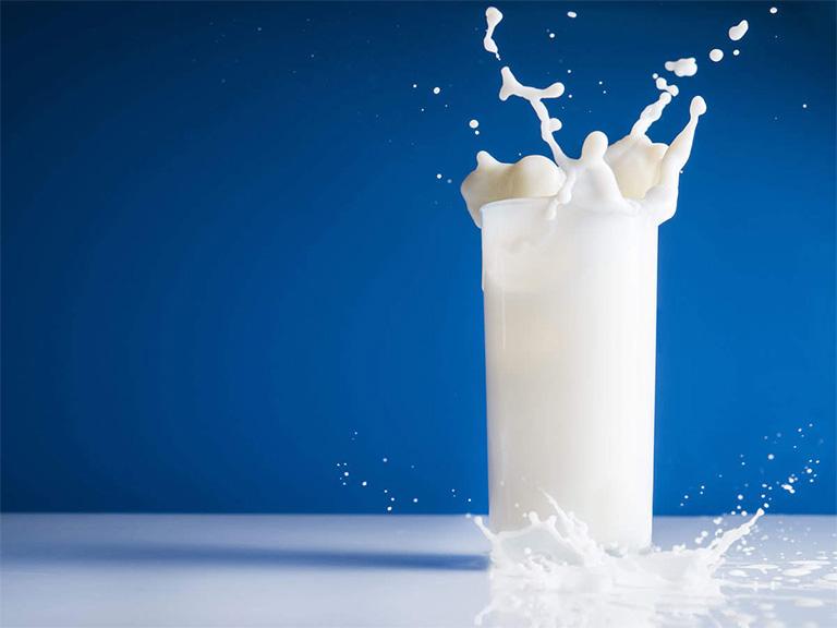 đau dạ dày uống sữa tươi được không?