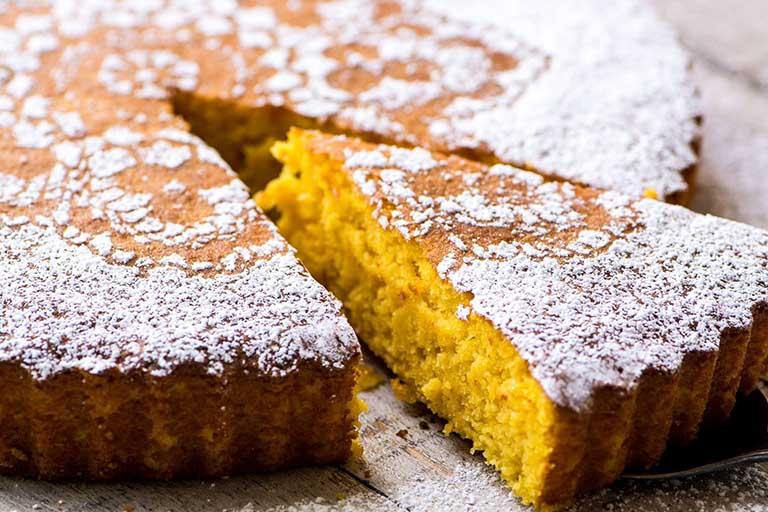 Hạn chế tối đa việc sử dụng những loại bánh kẹo ngọt, mứt hoa quả, hoa quả sấy khô