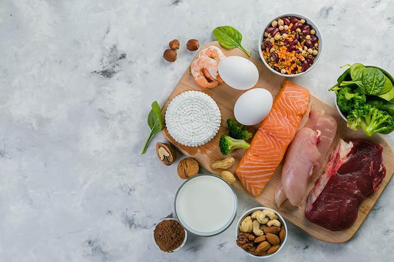 Xây dựng chế độ ăn uống hợp lý, bổ sung đầy đủ chất dinh dưỡng