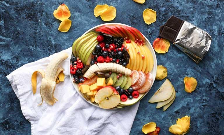 Người bệnh trĩ nên lưu ý gì khi ăn trái cây?