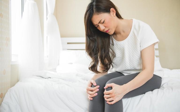 Bệnh trĩ ở phụ nữ có những triệu chứng gì?