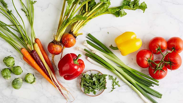 Thay đổi chế độ dinh dưỡng giúp kiểm soát các triệu chứng của bệnh trĩ ngoại