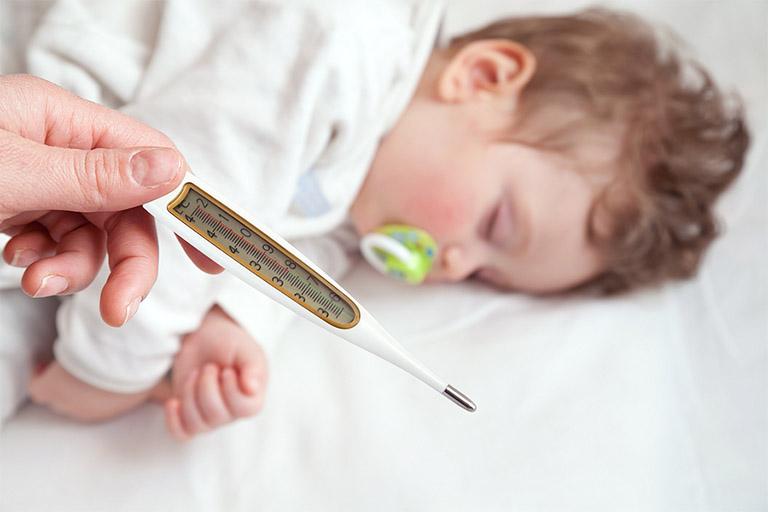 Chia sẻ các cách hạ sốt cho trẻ bị viêm amidan nhanh chóng và đơn giản tại nhà
