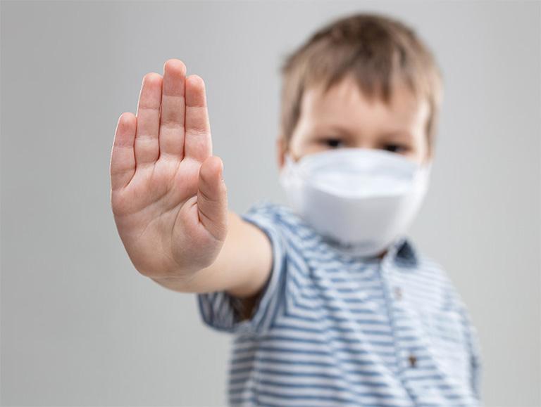 cách hạ sốt cho trẻ bị viêm amidan