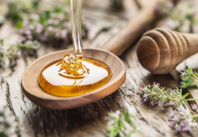 Cách sử dụng mật ong nguyên chất trị viêm da cơ địa tại nhà