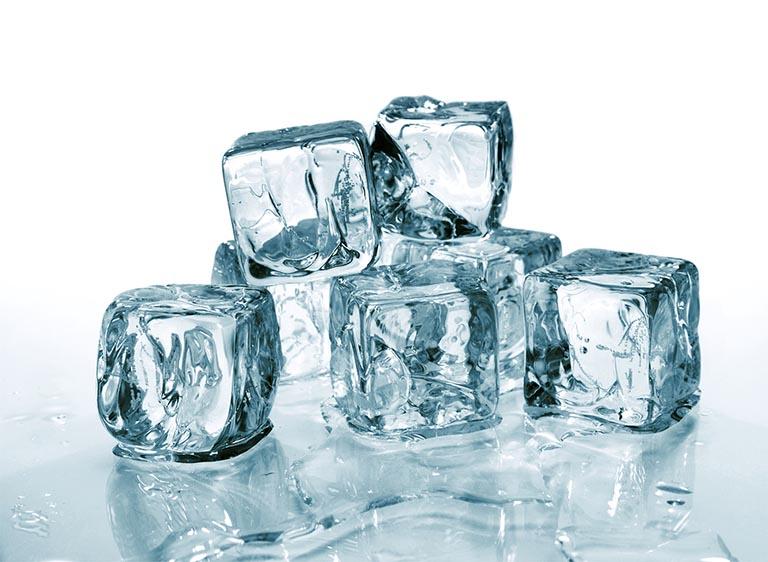 chữa bệnh trĩ bằng đá lạnh