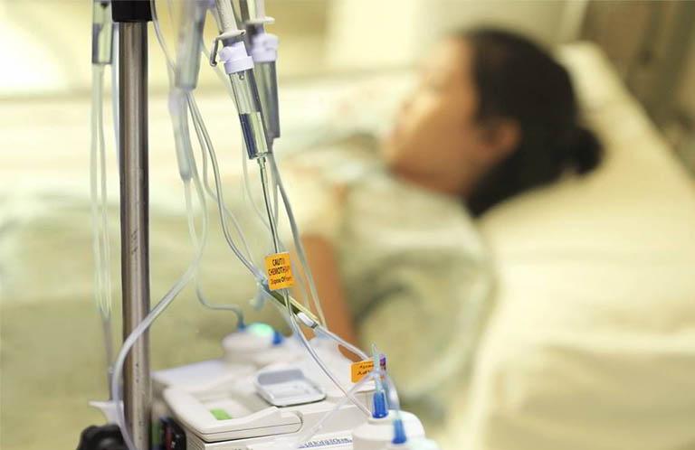 Hóa trị ung thư buồng trứng được chỉ định trong hai trường hợp