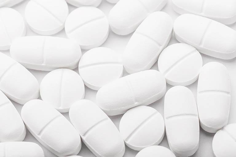 Uống thuốc giảm đau không kê đơn