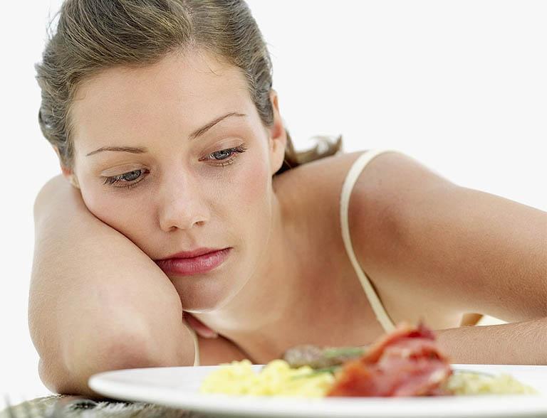 Ăn nhanh no, chán ăn, ăn không ngon miệng, ăn ít