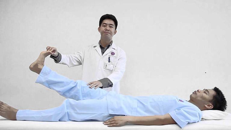 Các bài tập vật lý trị liệu cứng khớp gối dễ vận động