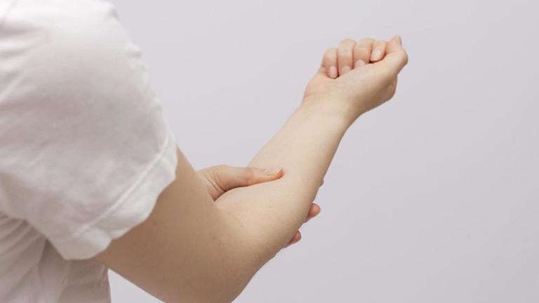 Các bài tập vật lý trị liệu đứt gân tay hiệu quả
