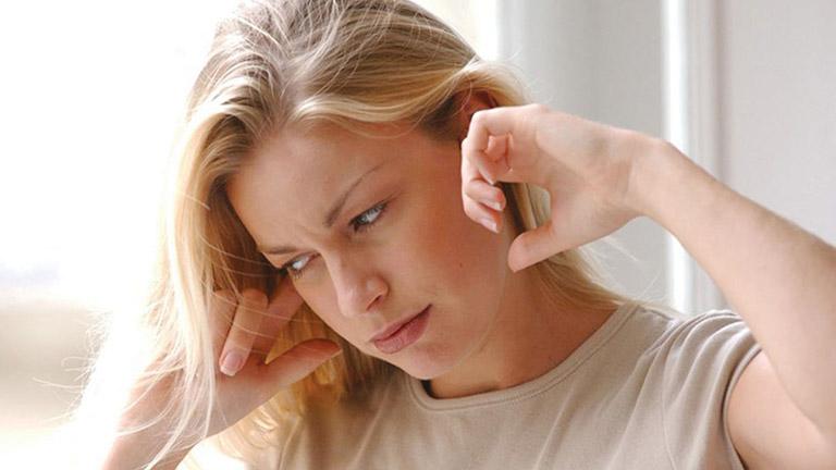 Chẩn đoán tình trạng viêm họng đau tai