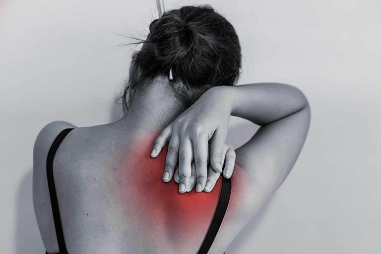 Bị đau vai gáy khó thở - Có phải dấu hiệu nguy hiểm?