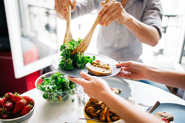 Áp dụng chế độ ăn uống lành mạnh và khoa học