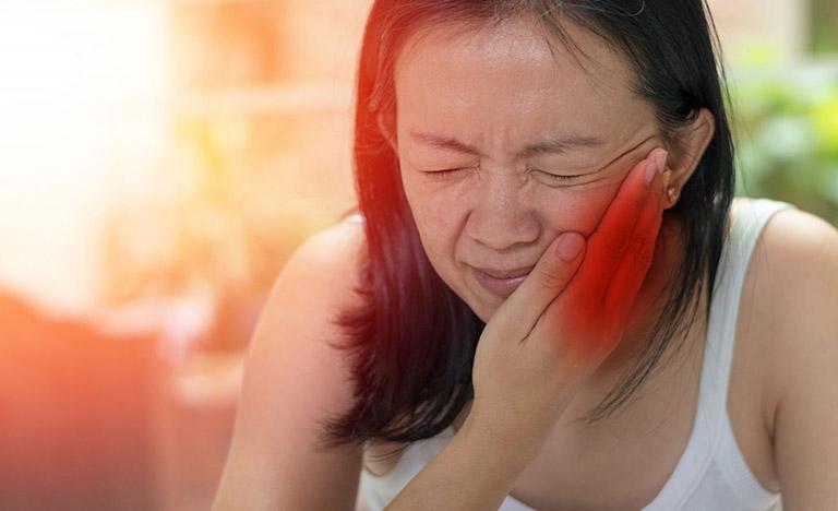 Quai bị gây viêm buồng trứng ở nữ giới là gì?