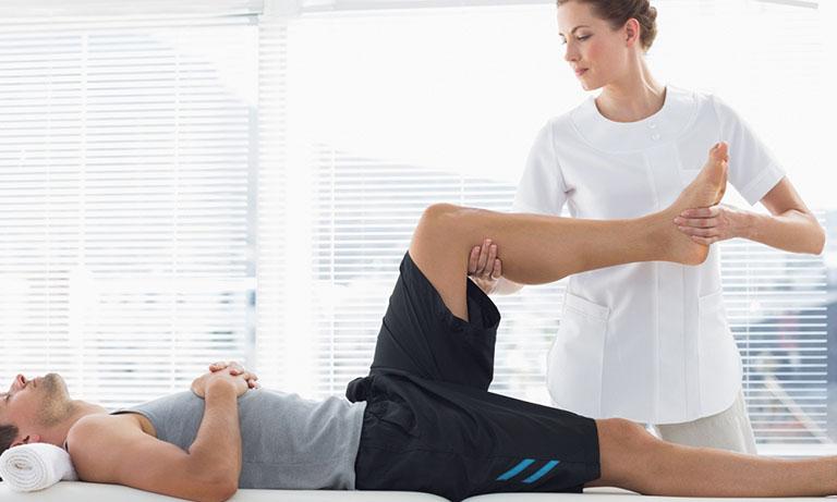Một số bài tập vật lý trị liệu sau gãy chân