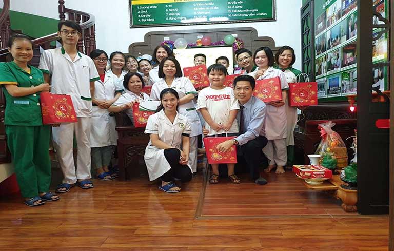Trung tâm Thuốc dân tộc tổ chức đón Tết Trung thu cho cán bộ nhân viên