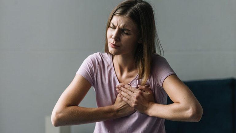 Ung thư buồng trứng di căn có triệu chứng gì?